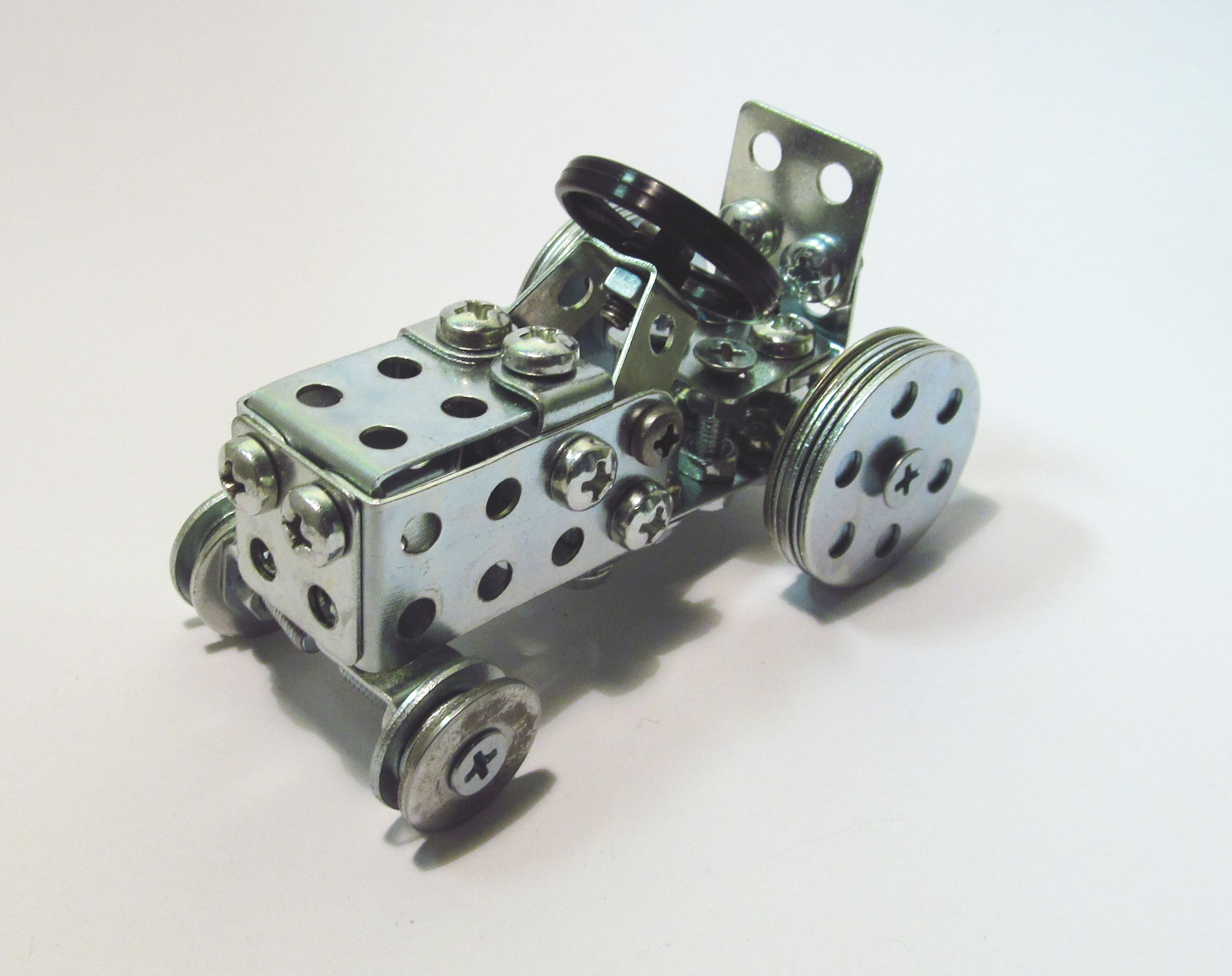 поделки из металлического конструктора картинки проводников